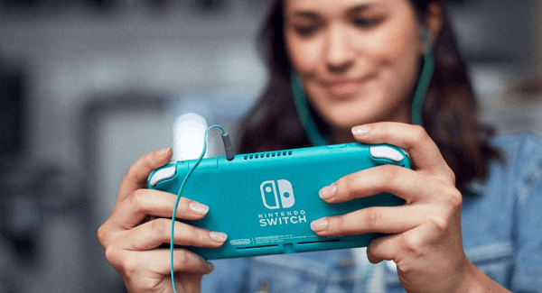 Nintendo Switch Lite Turquoise Outside